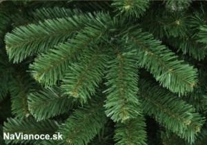 tradičné umelé vianočné stromčeky