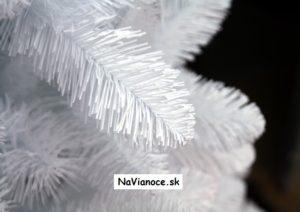 umelé vianočné stromčeky biele