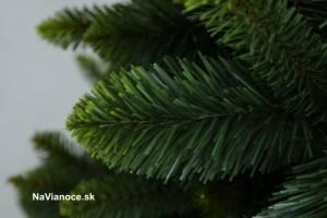 vianočné stromčeky zlaté jesenné