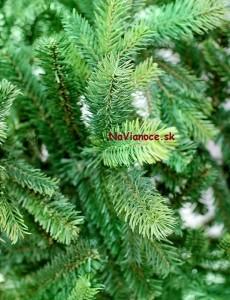 3d mäkké ihličie na vianočných stromčekoch