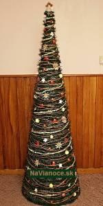 vianočný ozdobený stromček