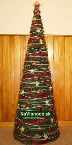 červený vianočný stromček
