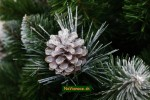 vianočné stromčeky so šiškami na vianoce