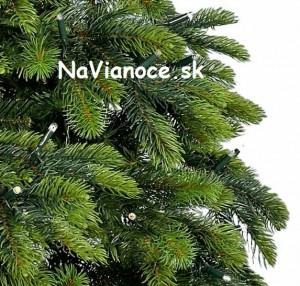 vianočný umelý stromček 3d