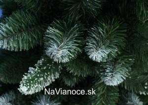 vianočný biely stromček