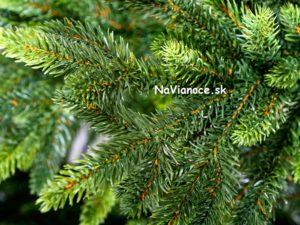 vianočný stromček umelý iba z 3d ihličia
